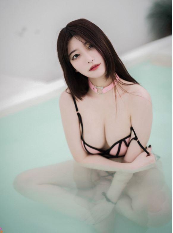 19금 레전드 비키니 화보 찍었다는 일본인 BJ안나ㅅㅅ